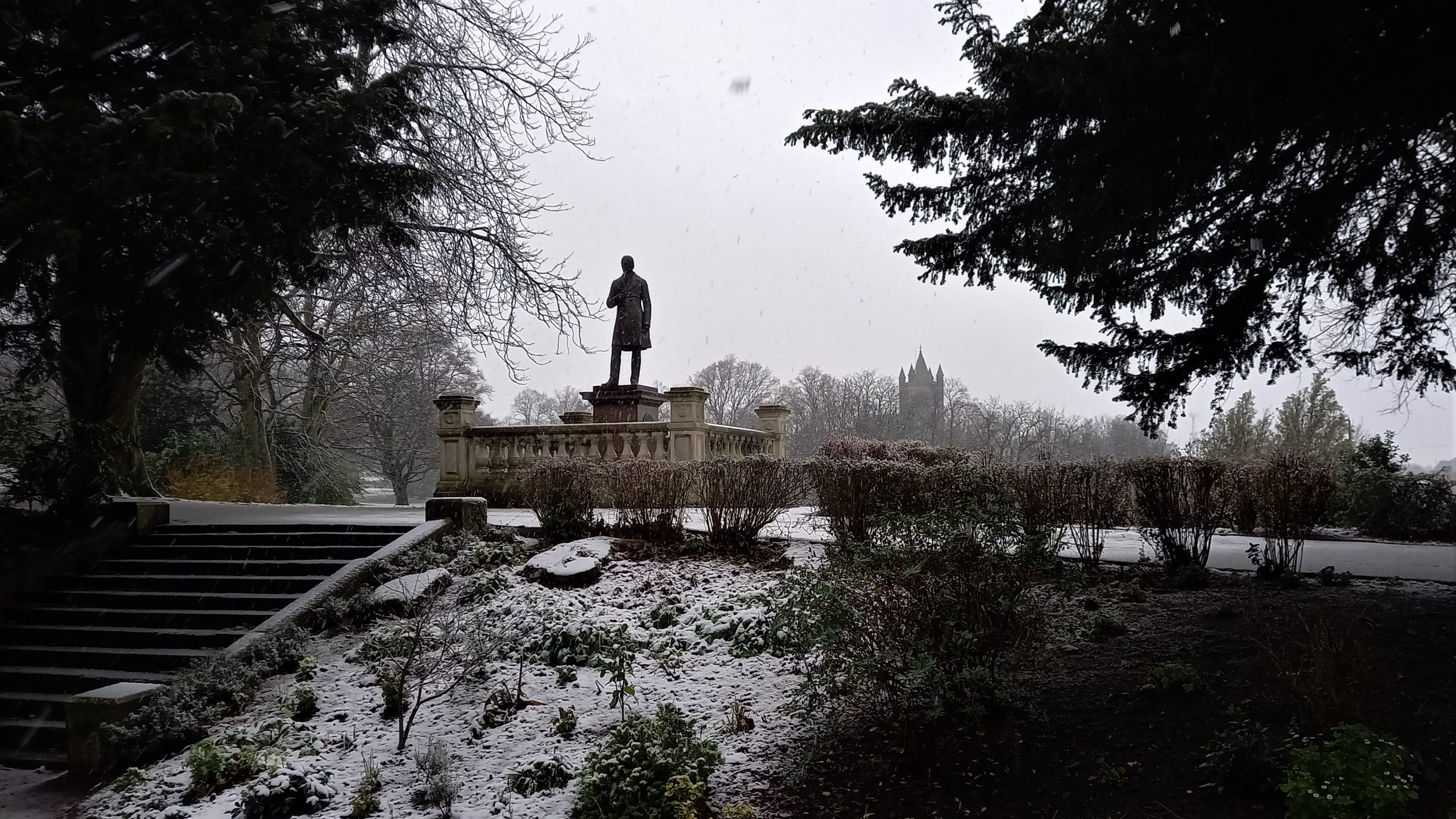 8 Statue and St Edwards in snow